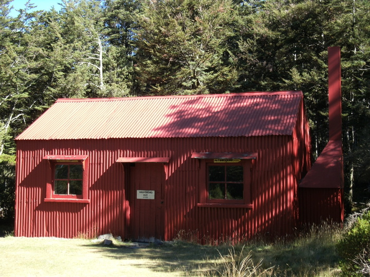 Waihohunu Hut