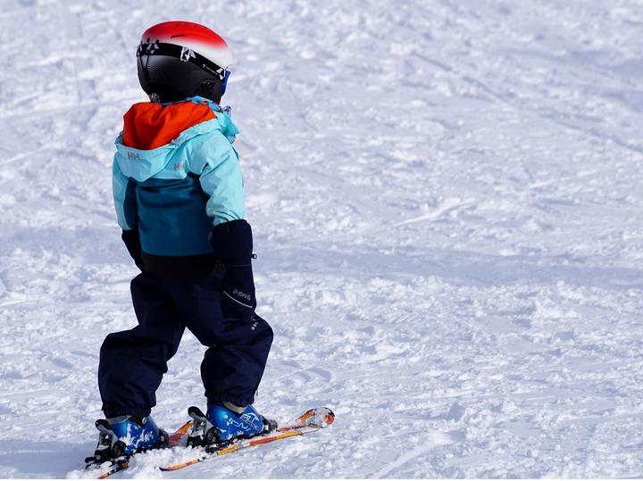 Child-skiing