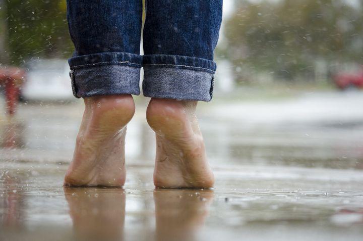 splashing-in-puddle