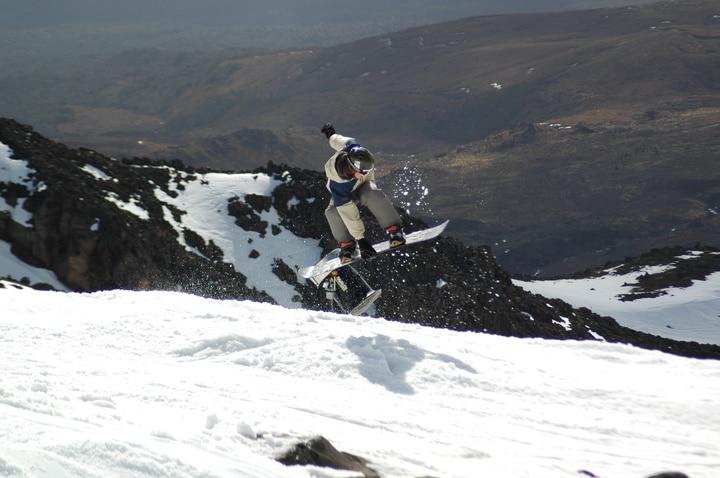 Snowboarder gets lift during the Whakapapa ski season